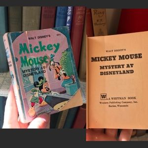 Disney Accents - Vintage 1975 Mickey Mouse Paperback 70's